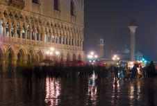Free Crowded Venice At Night Royalty Free Stock Photo - 4254165