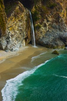 Free McWay Falls In Big Sur Stock Photo - 4255980