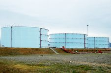 Free Oil Bunkers Stock Photo - 4256500