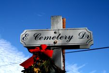 Free Cemetery Sign Royalty Free Stock Image - 4259026