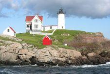 Free Nubble Point Lighthouse Royalty Free Stock Photo - 4259055