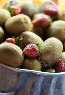 Kiwis And Strawberries Royalty Free Stock Photo