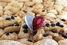 Free Shortbreads In Shape Of A Heart And Art Heart Royalty Free Stock Image - 4263106