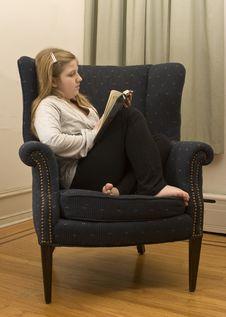 Free Girl Reading Royalty Free Stock Photo - 4263775