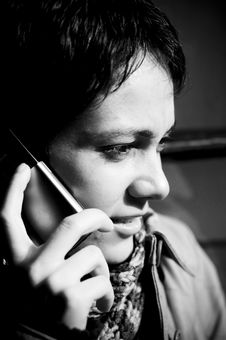 Free Woman Speaking On Phone Stock Images - 4267634