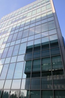 Offices Modern Building Reflected Royalty Free Stock Images