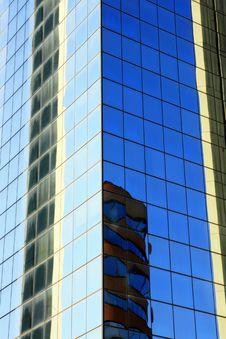 Free Modern Mirror Building Reflex Stock Photo - 4269110