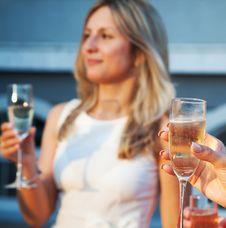 Free Female Hand Holding A Glass Of Champagne Stock Photography - 42684952