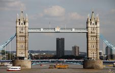 Free London Sightseeing: Tower Bridge Stock Images - 42691334