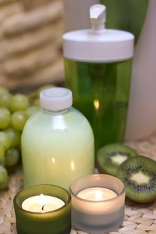 Free Green Luxury Royalty Free Stock Image - 4271166
