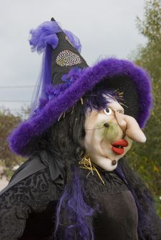 Free Ugly Witch Scarecrow Stock Photos - 4271553