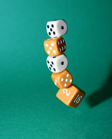 Free Dropping Dice Royalty Free Stock Images - 4272039