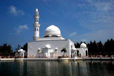 Free Flouting Mosque Stock Photo - 4272670