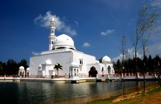 Free Flouting Mosque Stock Photography - 4272802