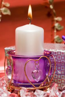 Free Violet Candle With Heart Royalty Free Stock Images - 4278139