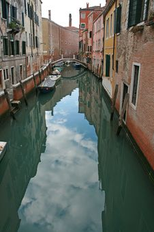 Free A Canal Of Venice Stock Photo - 4281570