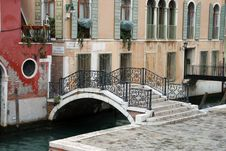 Free A Canal Of Venice Italy Stock Images - 4281644