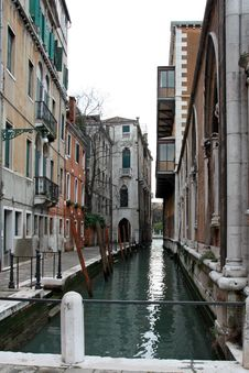 Free A Canal Of Venice Italy Stock Photography - 4281652