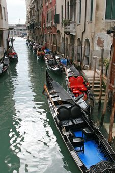 Free A Canal Of Venice Royalty Free Stock Photos - 4281678