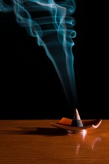 Free Incense In Dark Background Royalty Free Stock Photos - 4285598