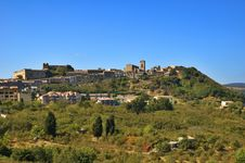 Free Italian Village On A Hill Royalty Free Stock Photos - 4288188
