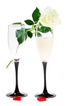 Free Two Glasses With A Rose And Red Hearts (isolated) Royalty Free Stock Images - 4288359