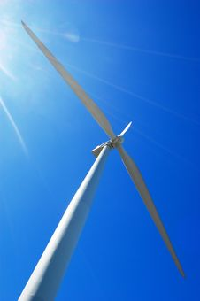 Free Wind Turbine With Sun Flare Royalty Free Stock Photo - 4289945