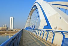 Free Apollo Bridge In Bratislava Royalty Free Stock Photography - 4290727