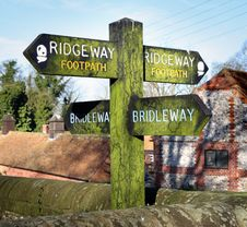 Free Signpost On An English Country Path Stock Images - 4298084