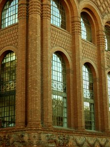 Free Magnificant Brick Building Royalty Free Stock Photos - 434688