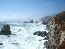 Free Waves Crashing Into The Cliffs Stock Photos - 438943