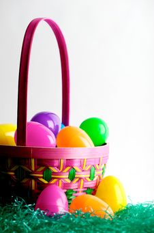 Free Easter Egg Basket With Eggs Stock Photos - 4300243