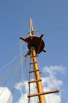 Free Ship Tower, Crows Nest Royalty Free Stock Image - 4303546