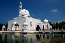 Free Flouting Mosque Stock Images - 4306774