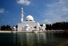 Free Flouting Mosque Stock Images - 4306804