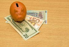 Free Savings-box 3 Royalty Free Stock Image - 4309096