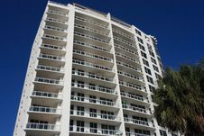 Free Highrise Apartment Building Royalty Free Stock Photos - 4318868