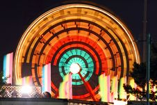 Free Light Trail Of Ferry Wheel Royalty Free Stock Image - 4321066