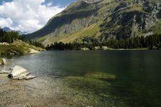 Free Mountain Lake Royalty Free Stock Photography - 4326147