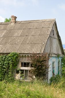 Free Neglected Rural House Royalty Free Stock Photos - 4330608
