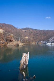 Free Lake And Blue Sky Stock Photo - 4332570