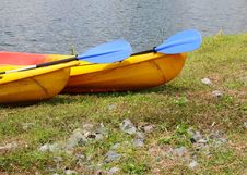 Free Kayaks In Reptition Royalty Free Stock Photos - 4332978