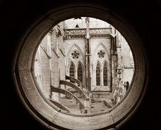 Free Basilica View Thru Round Window Royalty Free Stock Photography - 4333477