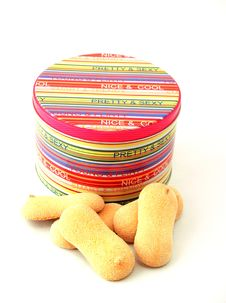 Free Colourful Tin With Biscuits Royalty Free Stock Images - 4334069