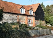 Free Traditional Brick And Flint English Rural House Royalty Free Stock Image - 4334936