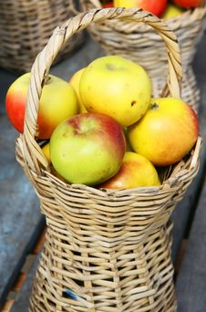 Free Apples In Basket Stock Photo - 4335050