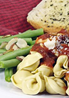 Free Tortellini And Sauce With Beans And Bread Stock Photos - 4337173