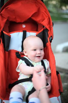 Free Baby In Sitting Stroller Royalty Free Stock Image - 4337476