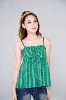Free Sweet Asian Girl Royalty Free Stock Photos - 4340048