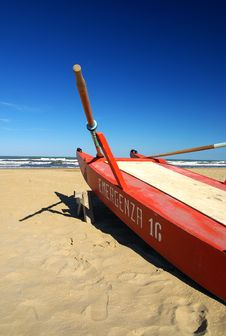 Free Red Boat On The Beach Stock Image - 4342261